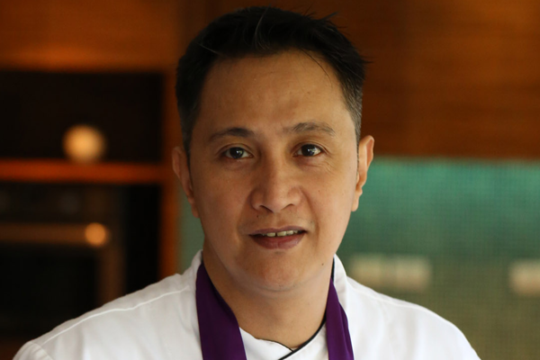 marriott-manila-chocolatier-chef-christopher-balane