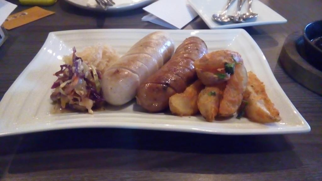 Two Sausages, Imbiss Manila