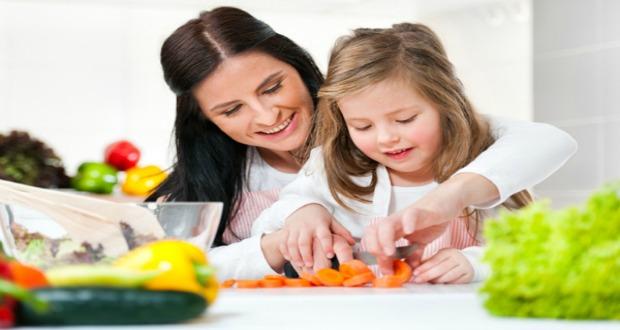 mom-prepare-food