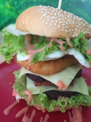 cafe-tea-ria-tower-burger