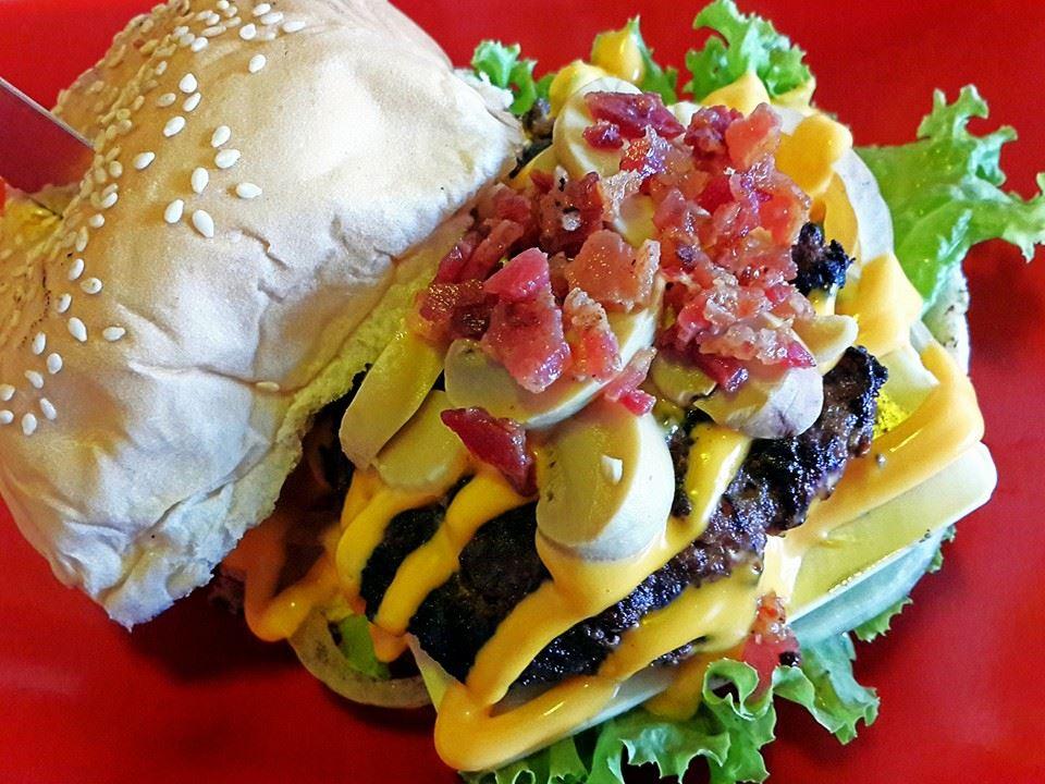 Dec's Burger Frenchie Burger