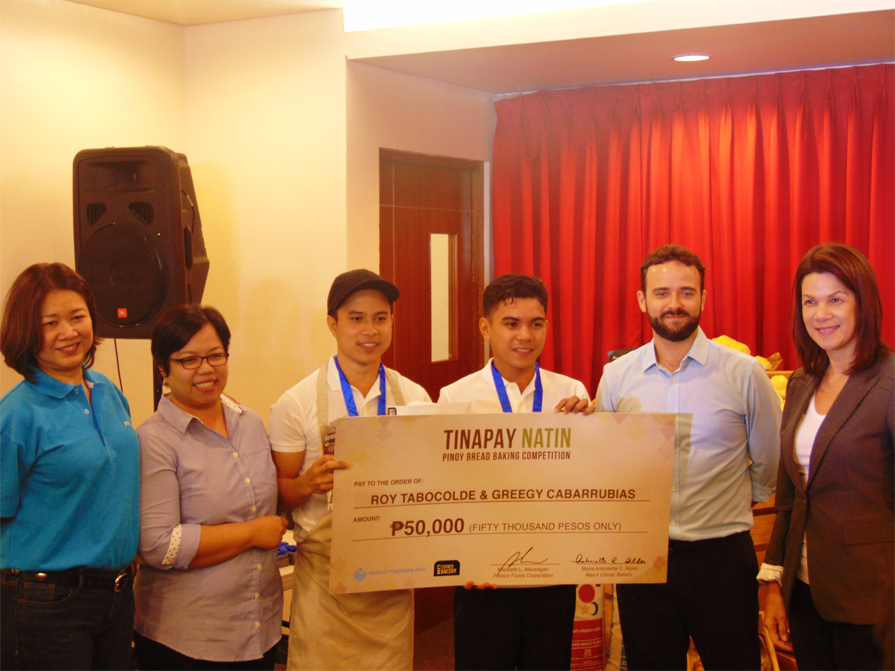 Grand Winner -Roy Tabocolde and Greegy Cabarrubias from St. Therese MTC Colleges, La Fiesta